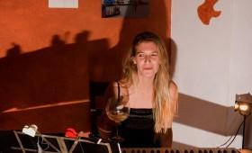 Adela Ferrer en concierto